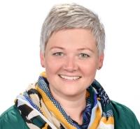 Maria Schapfl, Klassenvorstand 3c, Deutsch, Musikerziehung, Soziales Lernen, Bildnerische Erziehung, Informatik, Musik-Tanz-Theater